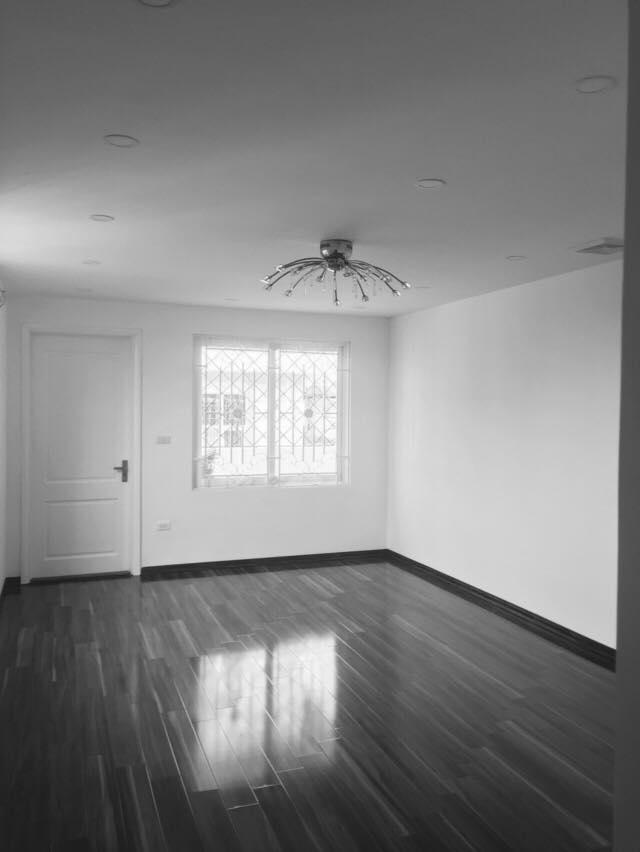 Cấn bán gấp nhà 6 tầng phố Tuệ Tĩnh, DT 81m2, giá 120tr/m2