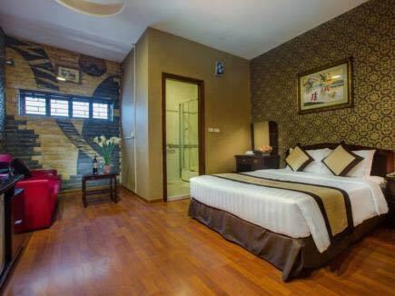 Cho thuê nhà 10 tầng mặt phố cổ quận Hoàn Kiếm, DT 100m2