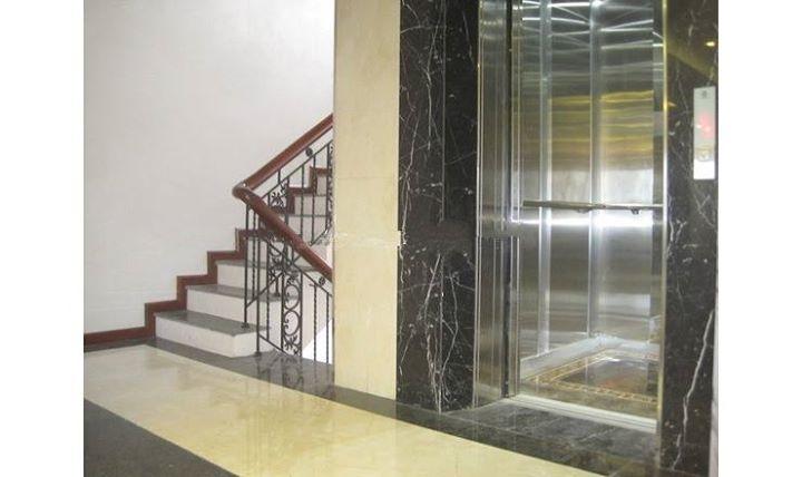 Cho thuê tòa nhà 7 tầng mặt phố Phùng Hưng Dt 120m2, Mt 7m