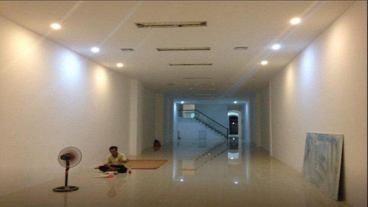 Cho thuê 80m2 sàn VP mặt đường Kim Giang; đối diện Linh Đàm; 7tr/th