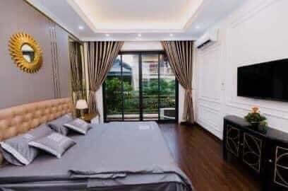 Nhà phố Hoàng Cầu, 7 tầng Kinh Doanh, Homestay, ô tô đỗ cửa. SDCC. Thu 70tr/tháng