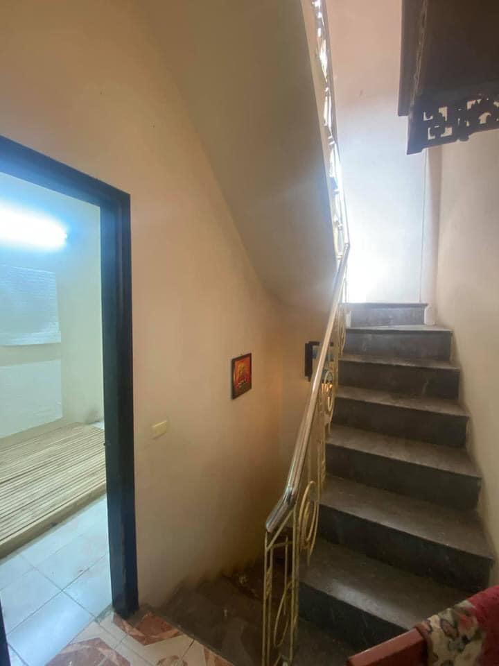 Bán gấp căn nhà ngõ 192 Lê Trọng Tấn, sổ đỏ chính chủ, giá chỉ 2,6 tỷ.